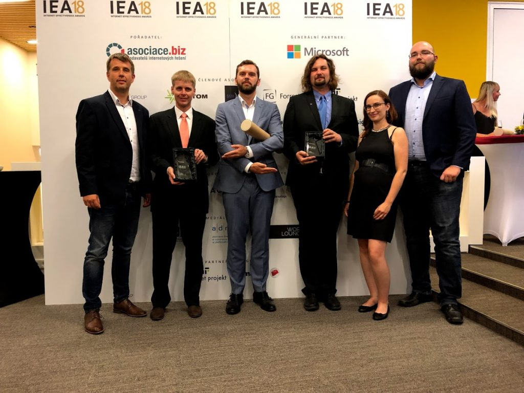 Awarding at IEA 2018. From left: Tomas Cermak (eMan), Jan Šedivý (E.ON), Vojtech Dusek (eMan), Petr Kredba (ŠKODA AUTO), Iva Kabátková (ŠKODA AUTO), Vojtěch Kounovský (eMan)